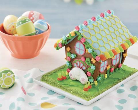 Cake decorating supply, Cake decorating, Food, Toy, Dessert, Icing, Buttercream, Cuisine, Interior design,