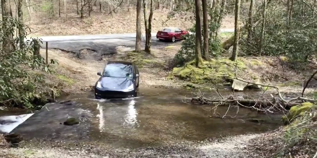 Tesla Model Y Off-Roading Video Gets Hate on Twitter