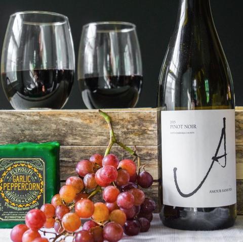 Glass bottle, Drink, Bottle, Wine bottle, Wine glass, Alcoholic beverage, Stemware, Wine, Glass, Champagne stemware,