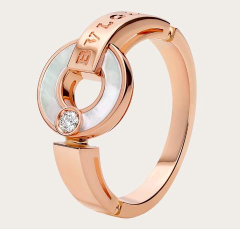Fashion accessory, Jewellery, Ring, Engagement ring, Fashion, Analog watch, Bangle, Wedding ceremony supply, Metal, Finger,