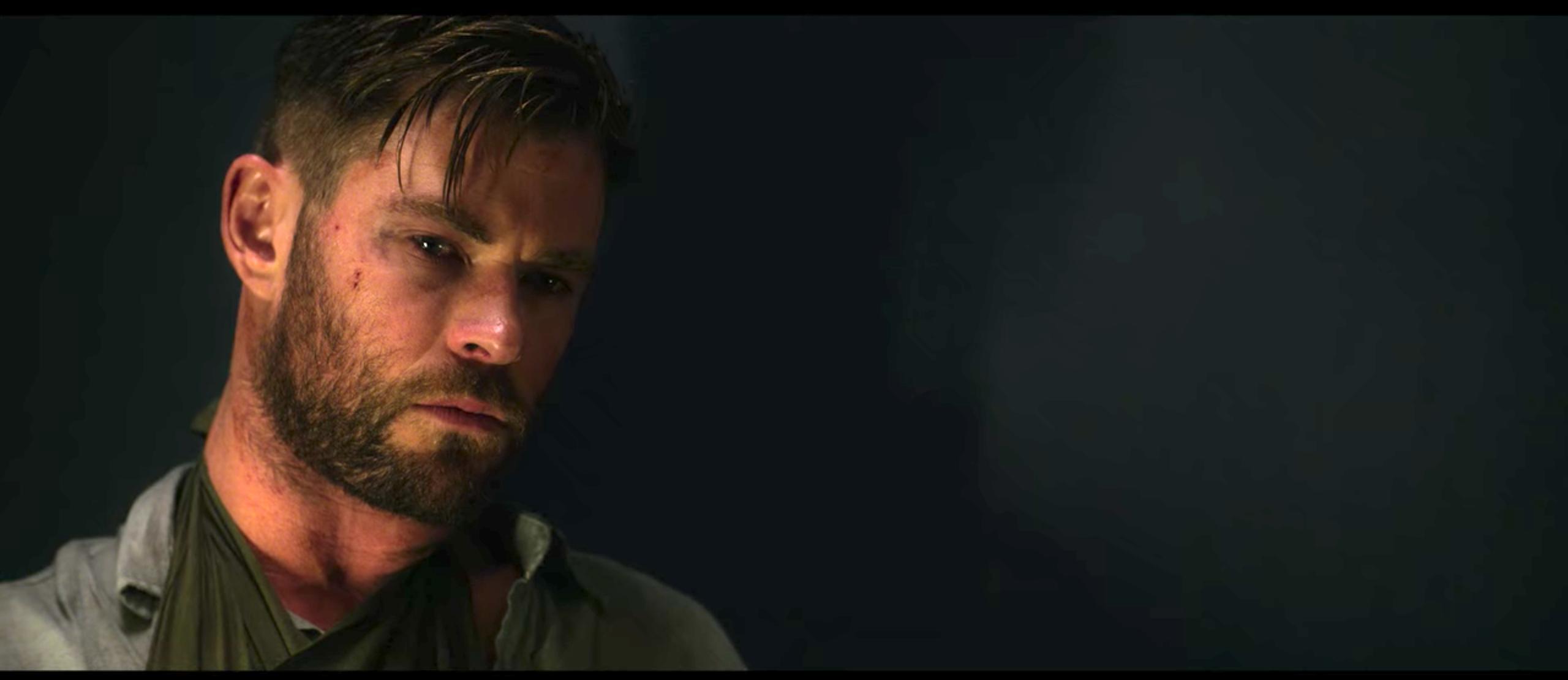 Chris Hemsworth Breaks Down That Tearful Extraction Scene