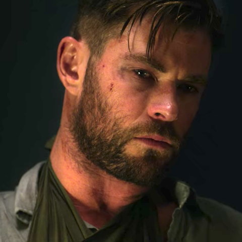 Chris Hemsworth Breaks Down That Tearful Extraction Scene
