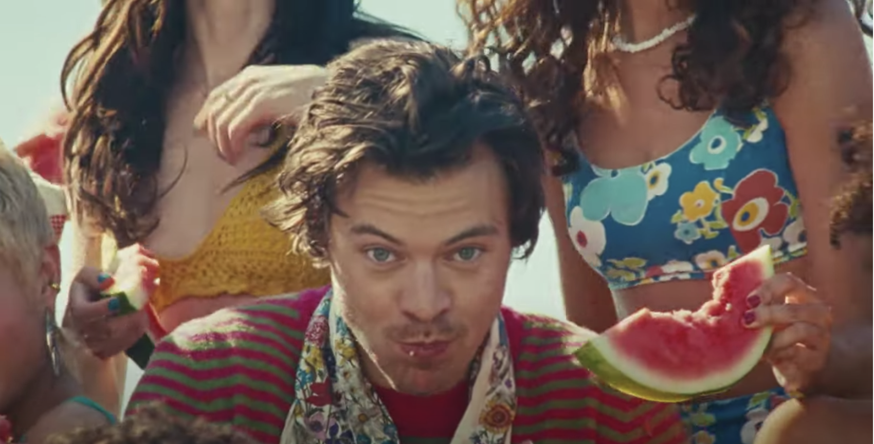 Harry Styles Watermelon Sugar Music Video Has Twitter Hot And Bothered