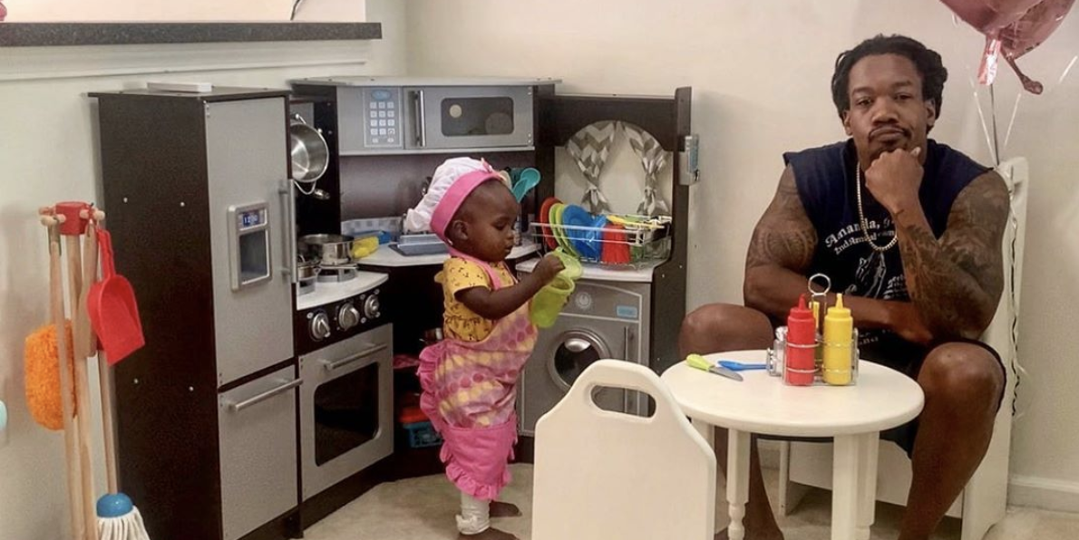 Dad Goes Viral After Reviewing His Daughter's 'Restaurant' And Shares Message About Supporting Black Businesses