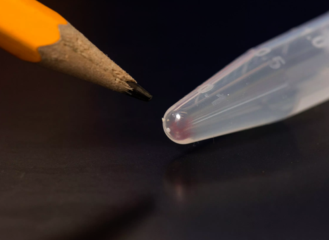 all the movies, images, emails and other digital data from more than 600 basic smartphones 10,000 gigabytes can be stored in the faint pink smear of dna at the end of this test tube