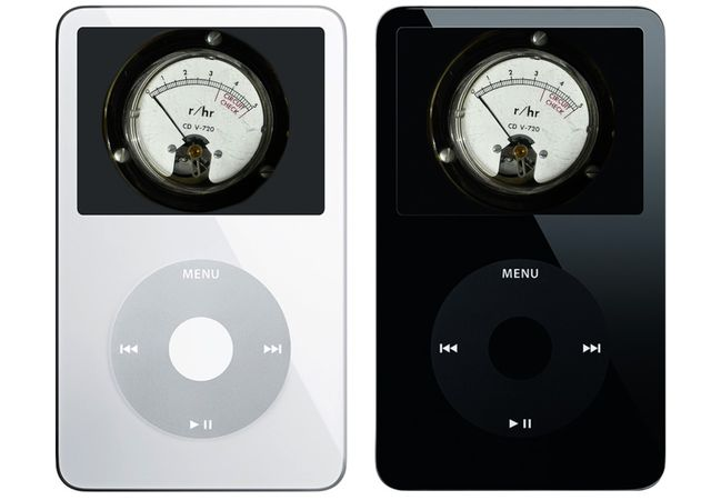 fifth generation ipods with a geiger counter on the screens