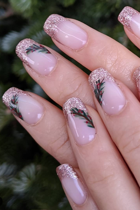 42 Festive Christmas Nail Ideas 2020 Christmas Nail Art Ideas