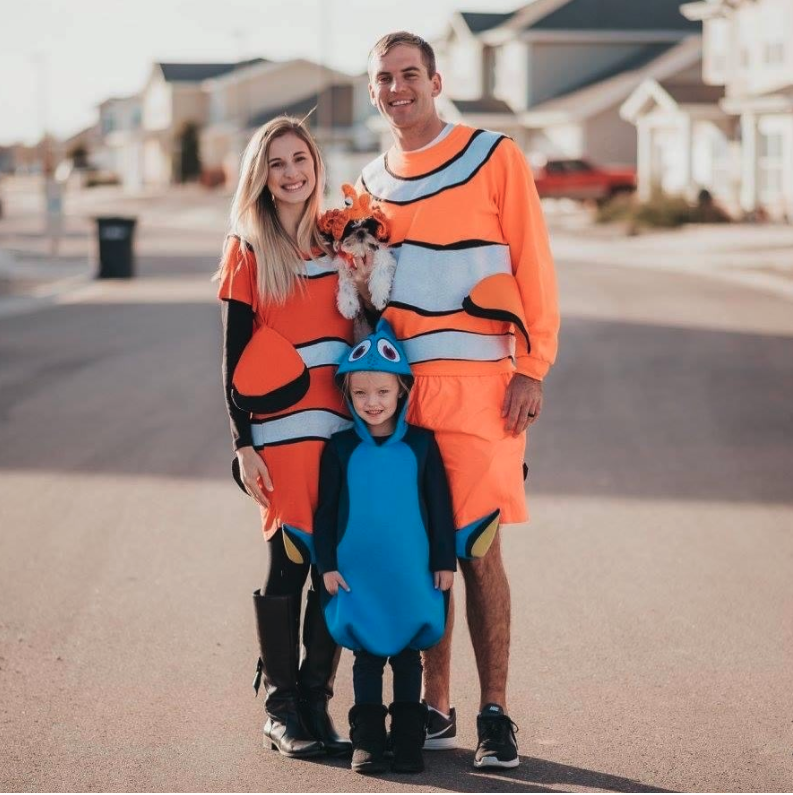 21+ Family Halloween Costume Ideas With Baby And Dog Gif