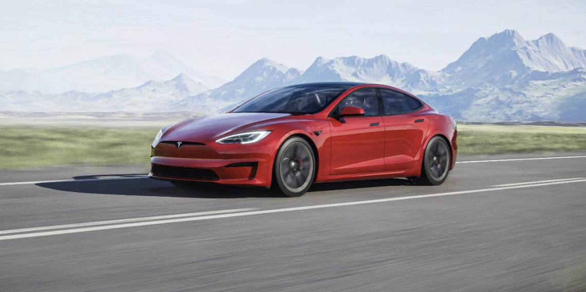 Tesla Shows Redesigned Model S, Promises Version with 520-Mile Range