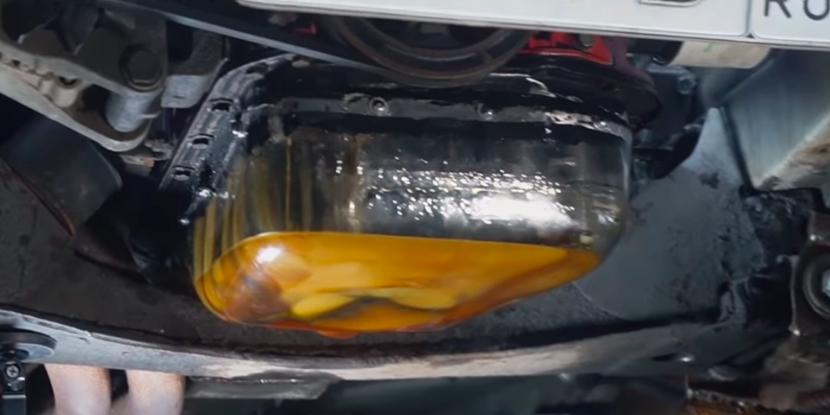 Peek inside a running engine's oil pan