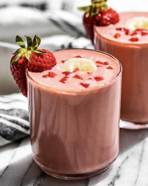 banana and strawberry smoothie