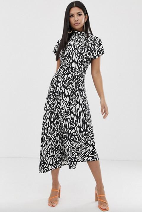 04baf8bfb2 Lorraine Kelly shows off wild side in £35 ASOS animal-print maxi dress
