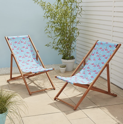Furniture, Chair, Outdoor furniture, Folding chair, Chaise longue, Sunlounger, Table, Rocking chair, Room, Leisure,