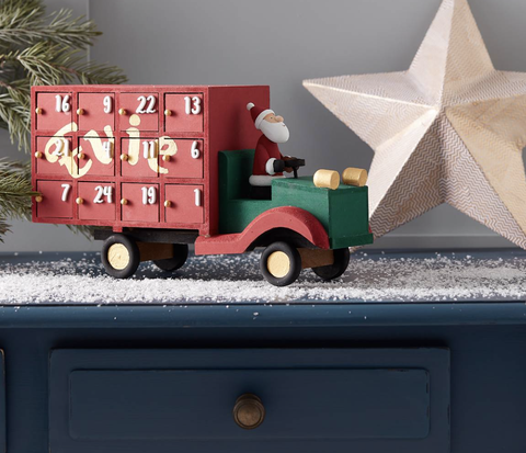 Hobbycraft reveals top Christmas 2019 craft trends