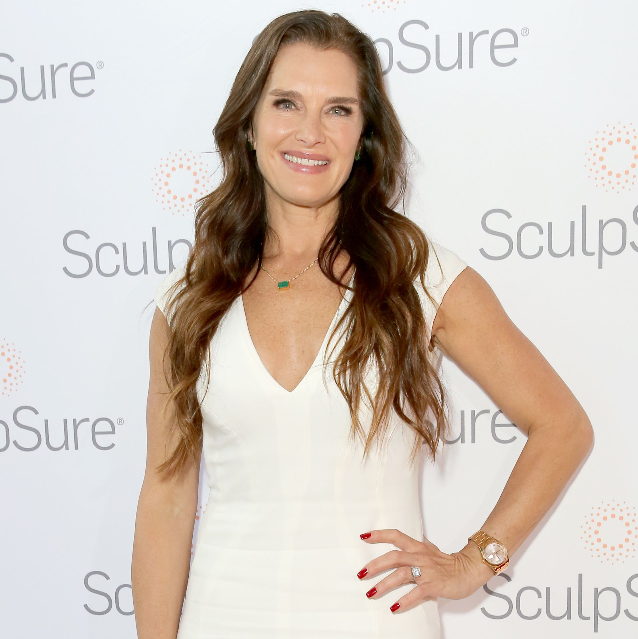 Brooke Shields Says She Got Rid of Her 'Love Handles' With Laser Treatment