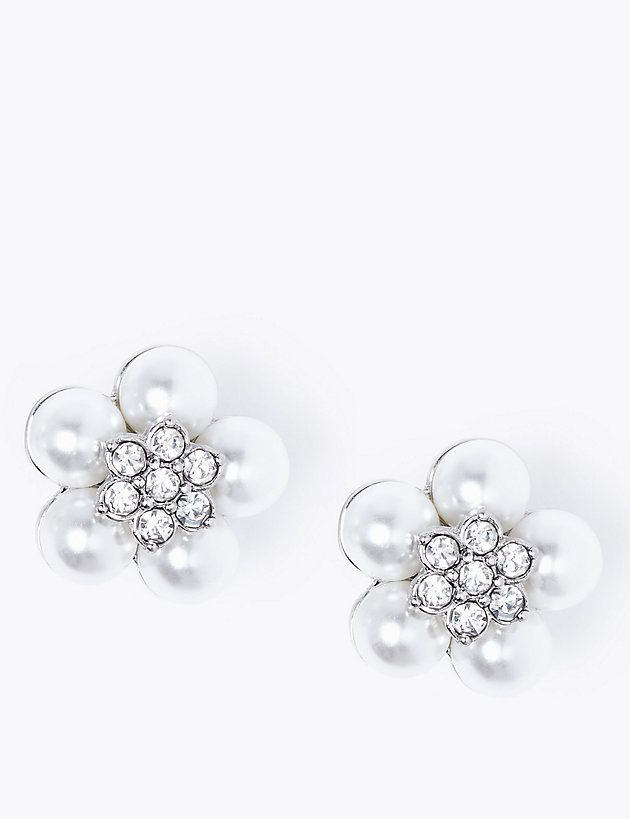 An Inexpensive Version of Kate Middleton's Christening Earrings Is Available to Buy