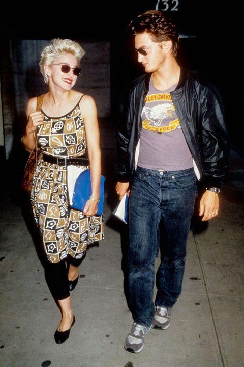 Sean Penn y Madonna, Sean Penn y Madonna  años 80, Sean Penn y Madonna 80, Sean Penn y Madonna pareja, años 80, famosos 80, moda 80, estilo 80, estilo ochentero, moda ochentera, hombre años 80, hombre ochentero, famosos ochenteros, vestir 80, disfraz años 80, ropa años 80, ropa ochentera, actor años 80, cantante 80, grupo 80, grupo años 80, grupo ochentero, actor ochentero, trajes ochenteros, pantalones 80, pantalones años 80, pantalones ochenteros, trajes años 80, trajes 80, camisas años 80, camisas 80, camisas ochenteras, cazadoras 80, cazadoras años 80, cazadoras ochenteras