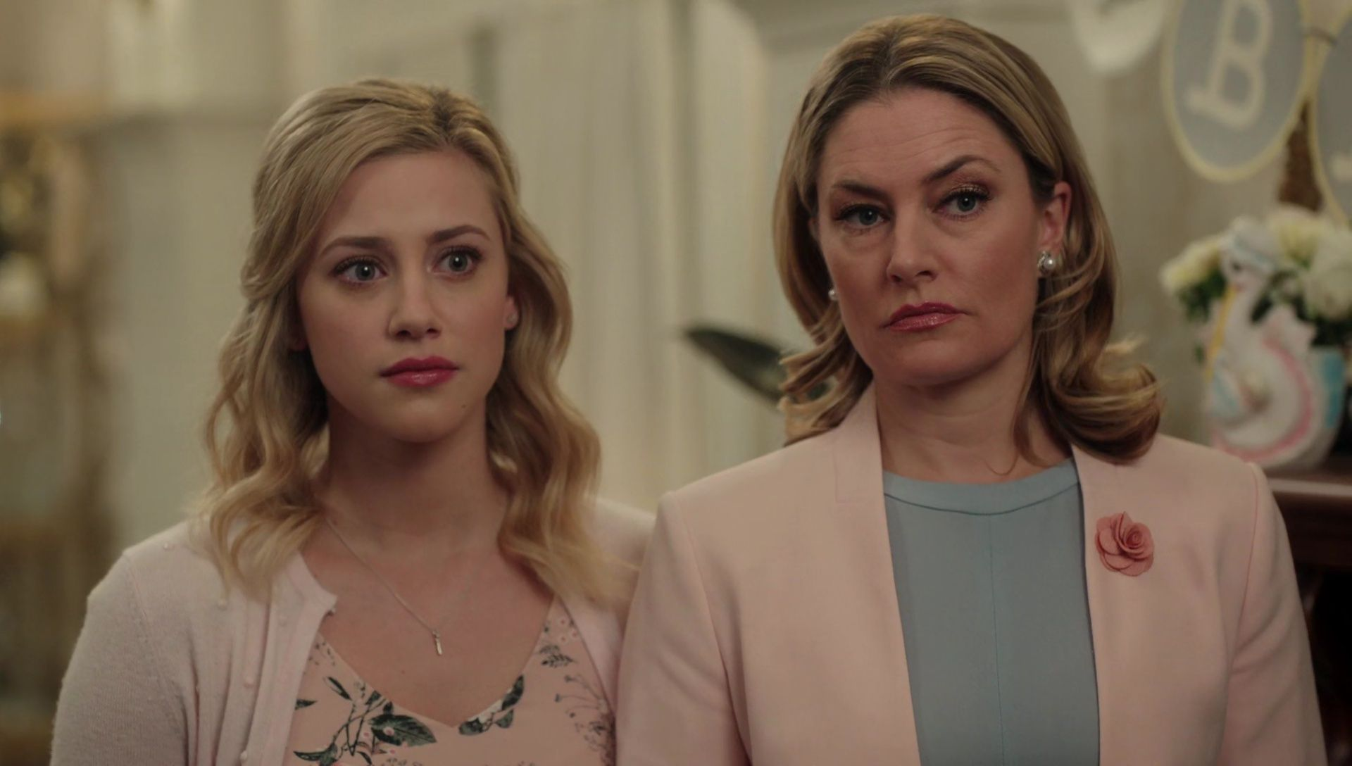 The Riverdale Teenagers Will Play Younger Versions of Their Parents in Season 3 Flashback Episode