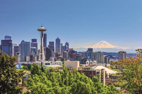 Metropolitan area, City, Urban area, Cityscape, Skyline, Skyscraper, Daytime, Metropolis, Sky, Human settlement,