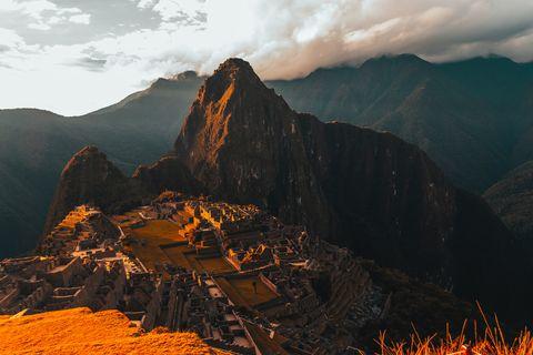 Mountainous landforms, Mountain, Nature, Sky, Landmark, Ridge, Mountain range, Geological phenomenon, Wilderness, Rock,
