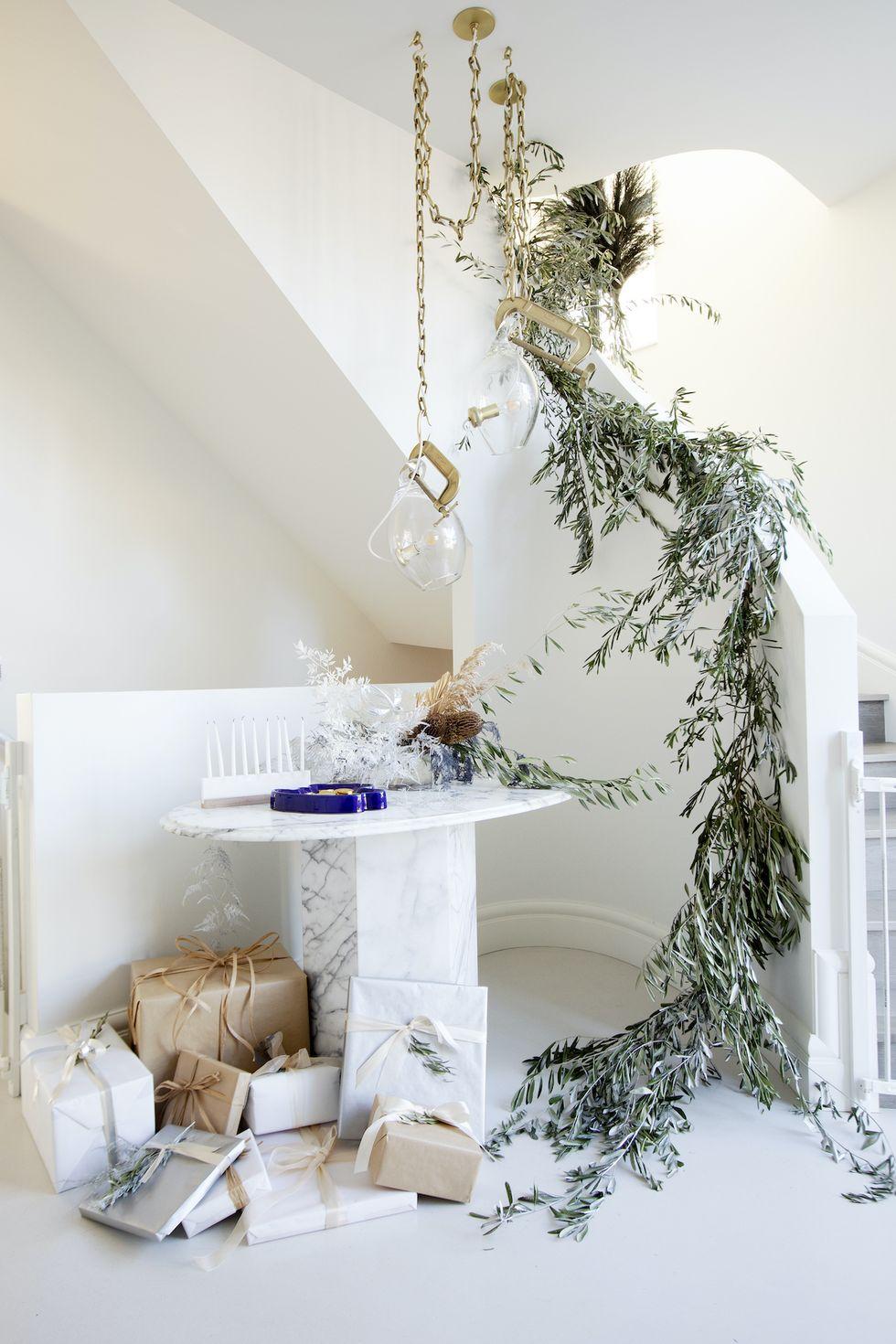 dekorasi natal tangga rumah