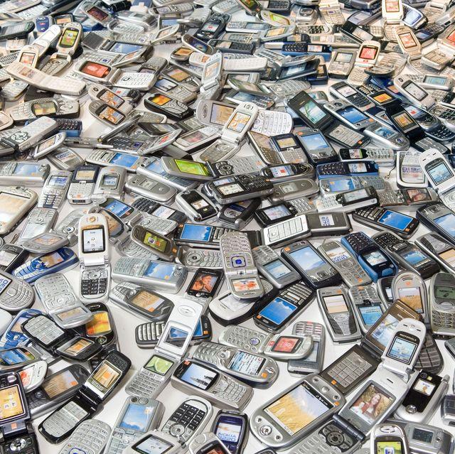 Dead Ringers exhibition, mobile phones.
