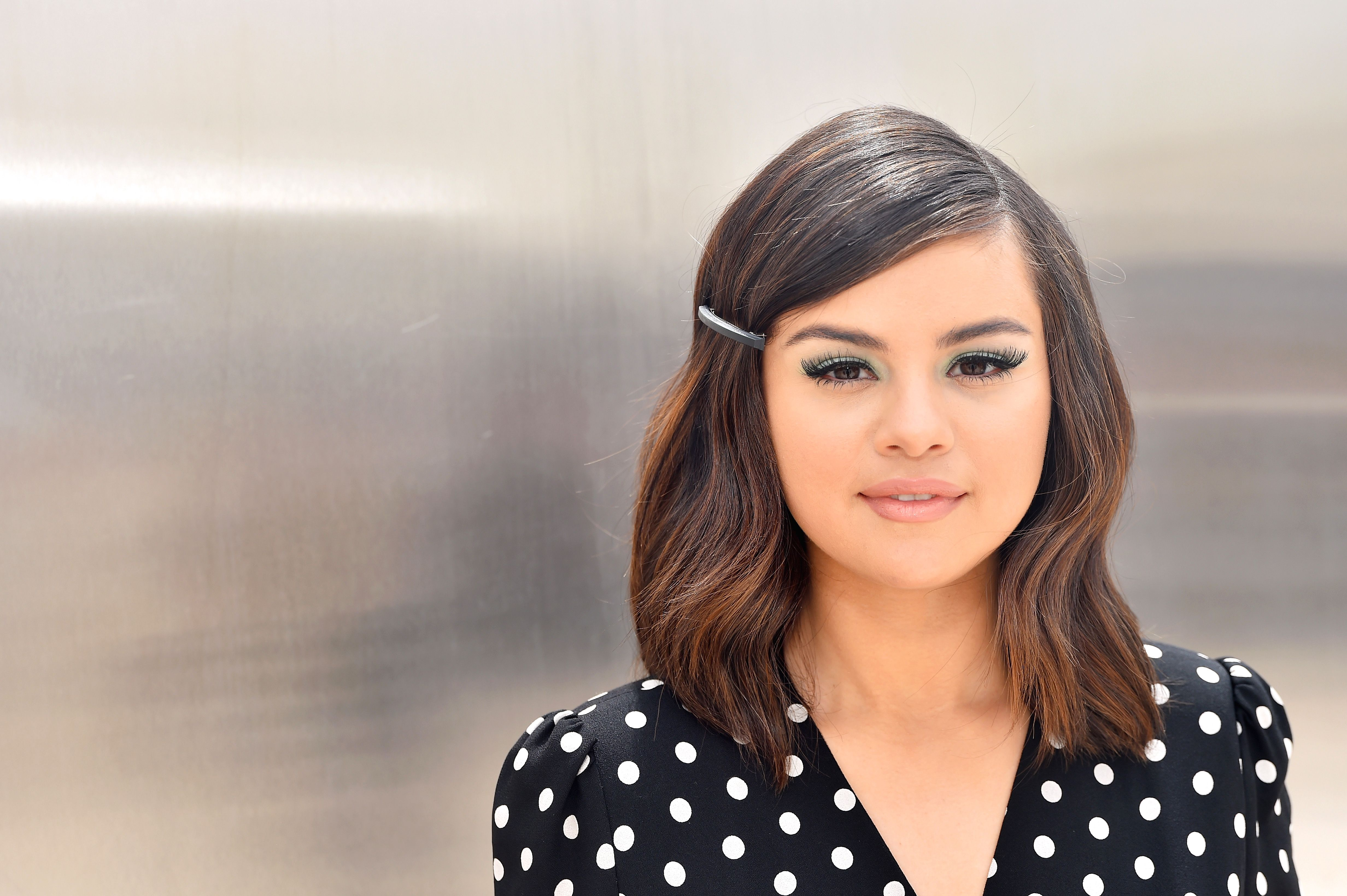 Selena Gomez Formally Debuts a Super Curly Lob on Instagram