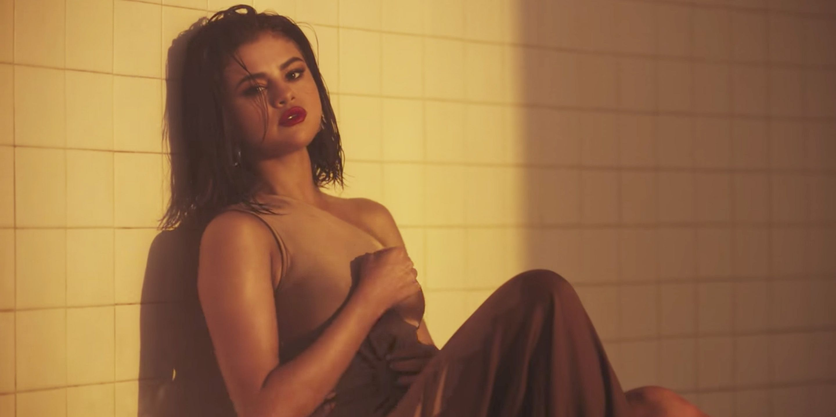 "Every Outfit Selena Gomez Wears in the ""Wolves"" Music Video"