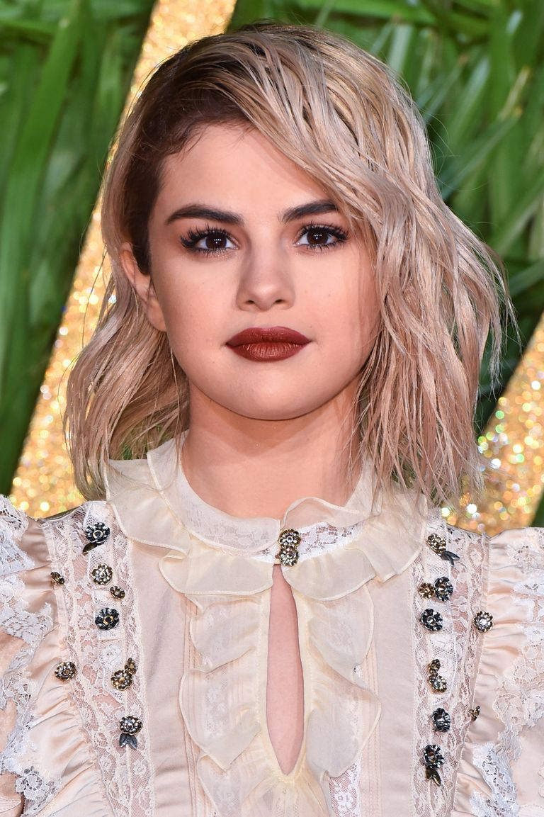 30 Best Selena Gomez Hairstyles From Short Hair And