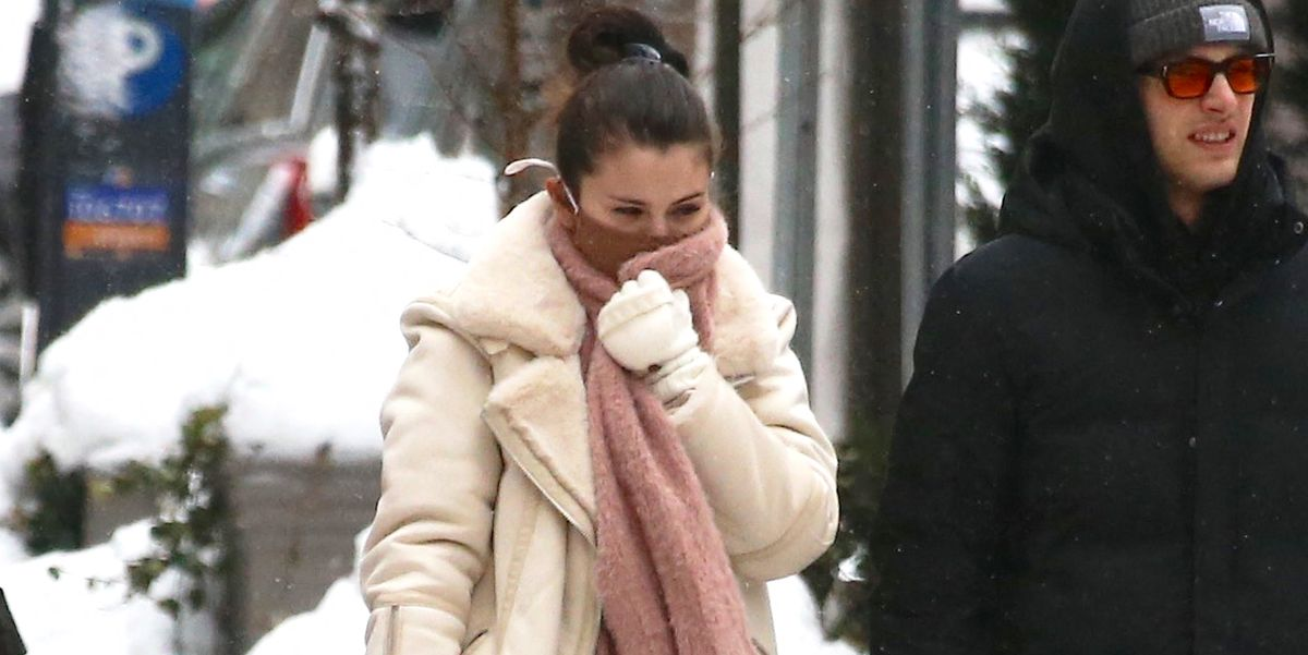 Selena Gomez Expertly Navigated New York City's Snowstorm In Heels