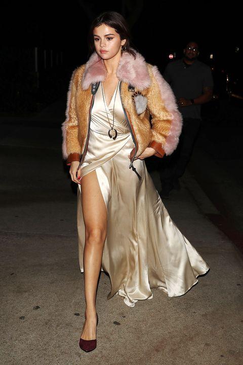 Selena Gomez\'s Thigh High Slit Wardrobe Malfunction