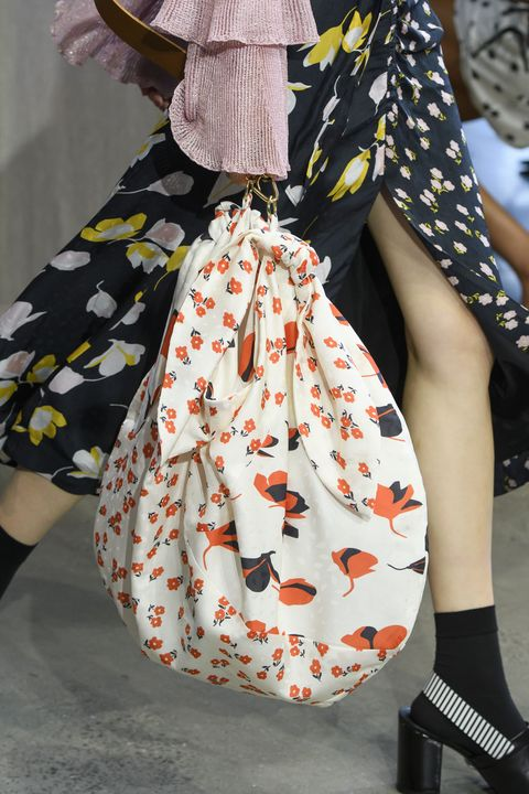449e7265aa92 11 Spring Bag Trends 2019 — Top Spring Accessory Runway Trends For Women