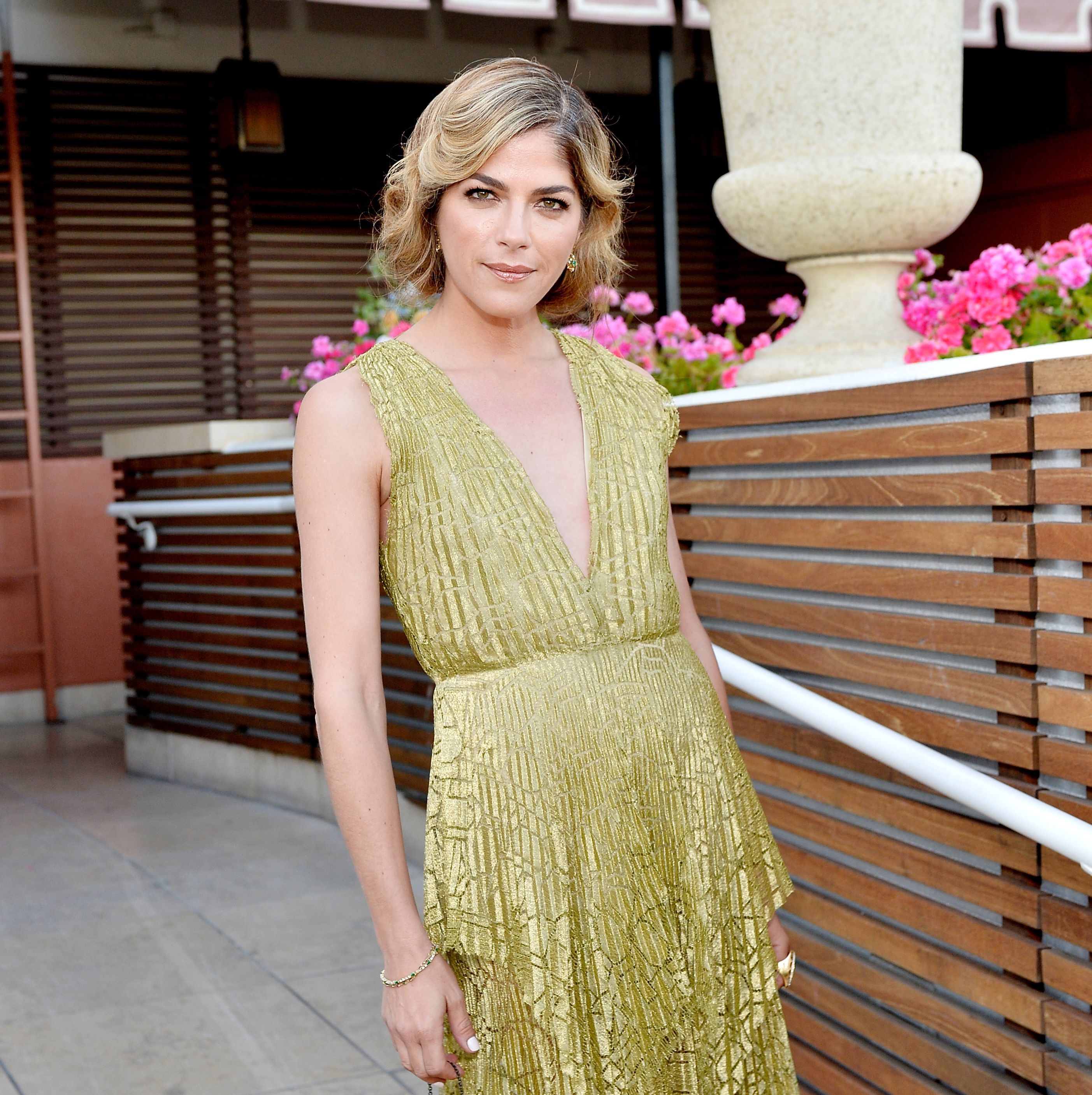 Selma Blair Is Now Using a Cane to Deal With Multiple Sclerosis Symptoms