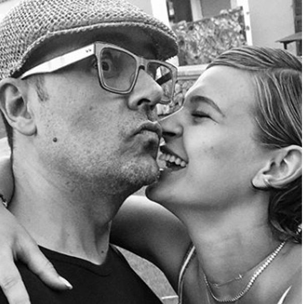 Photograph, Black-and-white, Monochrome, Interaction, Photography, Monochrome photography, Headgear, Kiss, Gesture, Style,