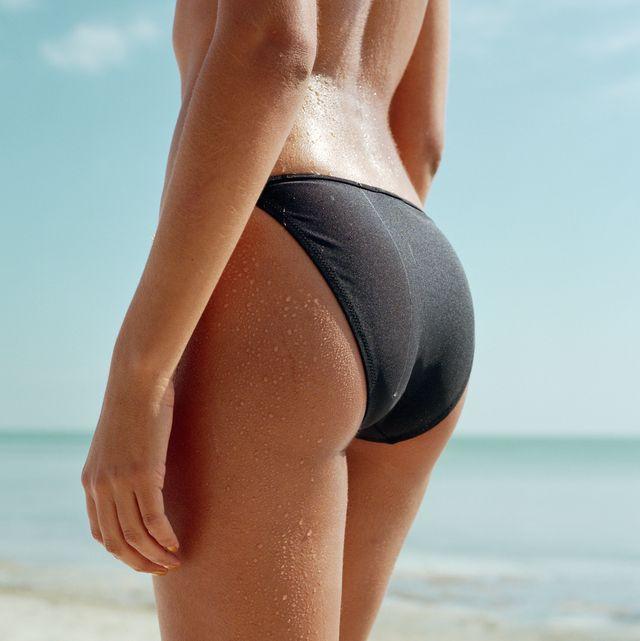 mujer en bikini