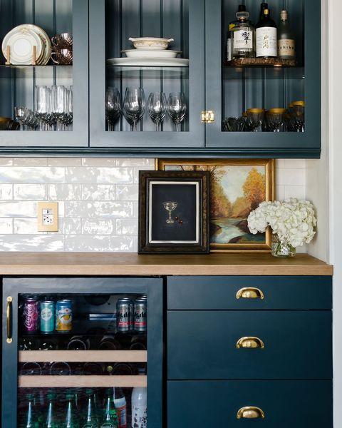 Furniture, Shelf, Hutch, Cabinetry, Room, China cabinet, Shelving, Cupboard, Display case, Interior design,