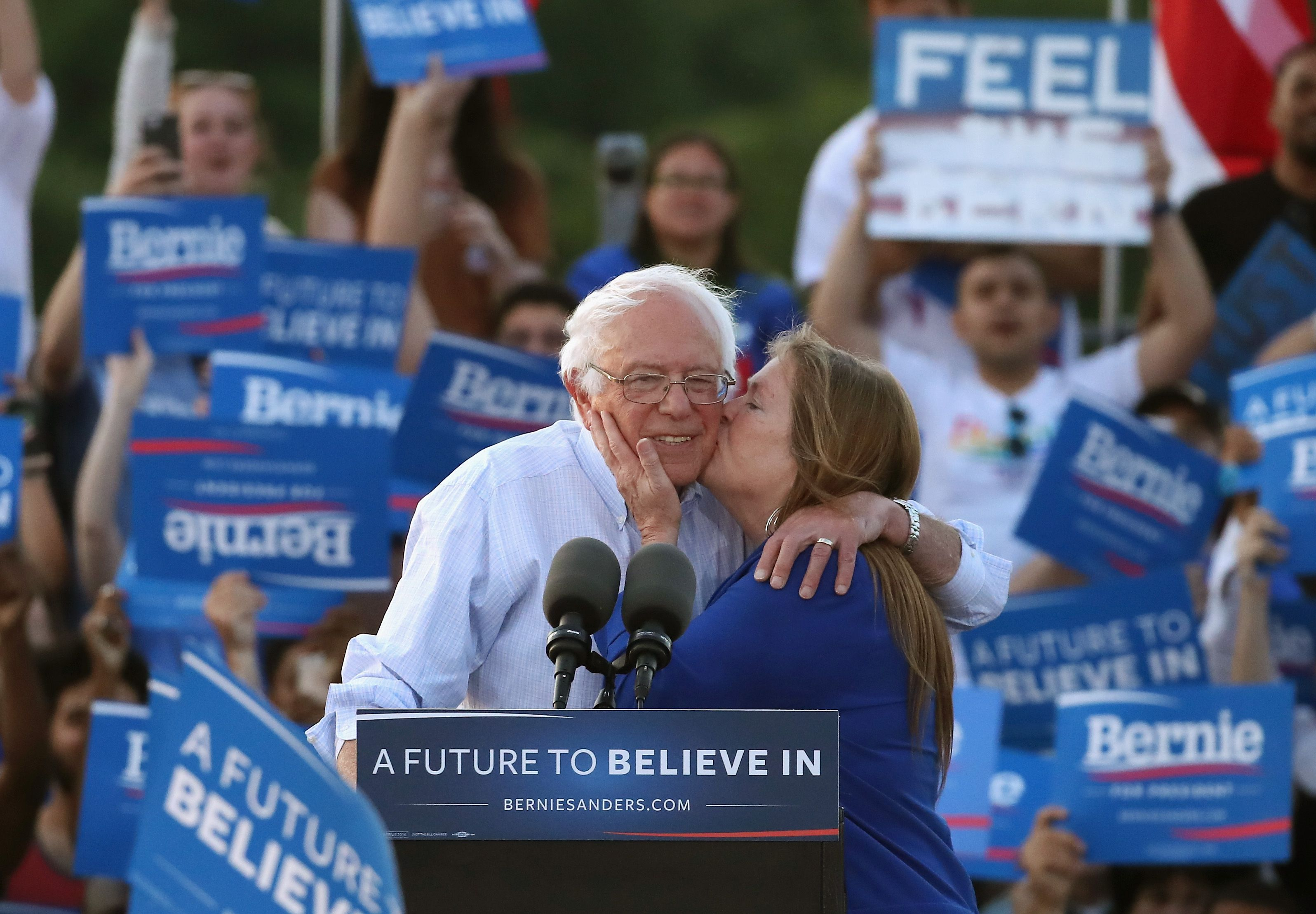 "Bernie Sanders's Wife, Jane O'Meara Sanders, Has Been Called His ""Closest Advisor"""
