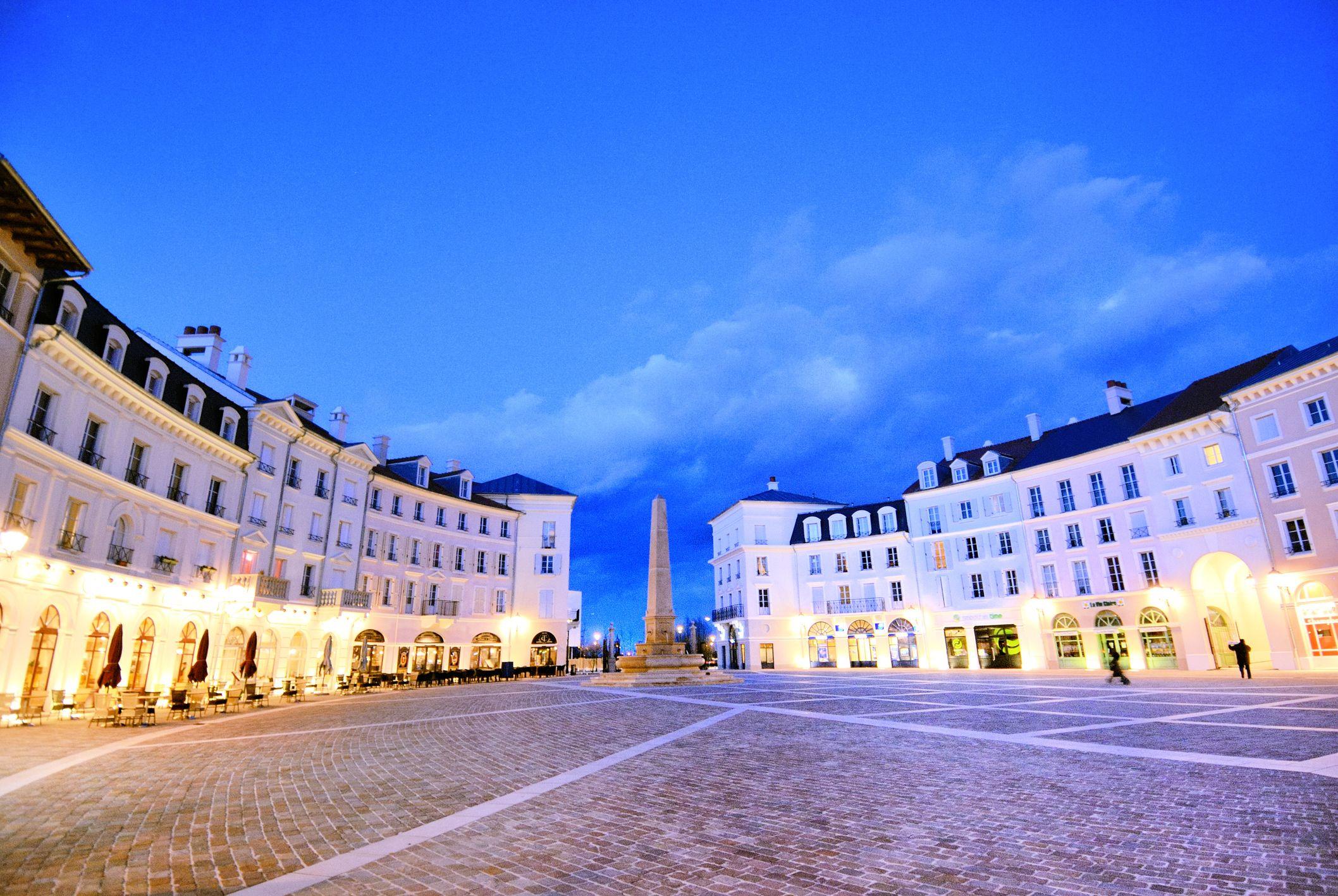 France, Serris