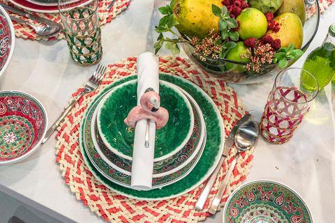 mesas menaje colorido