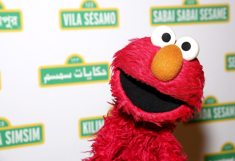 Elmo Is Hosting a 'Virtual Playdate' for Kids Amid Coronavirus Pandemic