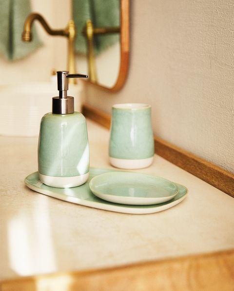 set de baño de color verde