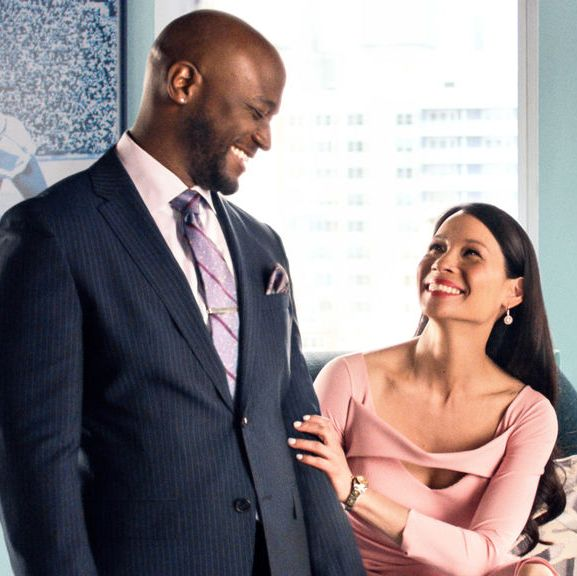 Set It Up Two corporate assistants (Zoey Deutch and Glen Powell) are tired of their domineering bosses (Lucy Liu and Taye Diggs), so they scheme to hook them up in order to lighten their workload (and, naturally, also happen to fall for each other, too).