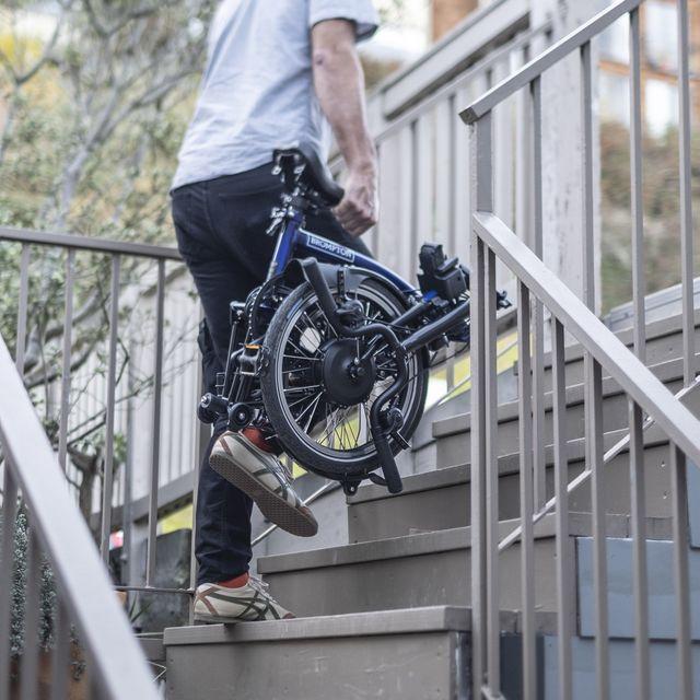 brompton, la bici eléctrica plegable más cara del mercado