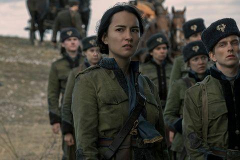 جسی می لی در نقش آلینا استارکوف در سایه و استخوان ها