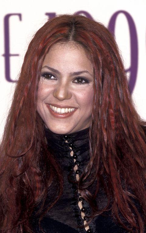 la cantante, con el pelo rojo, en una entrega de premios de 1999