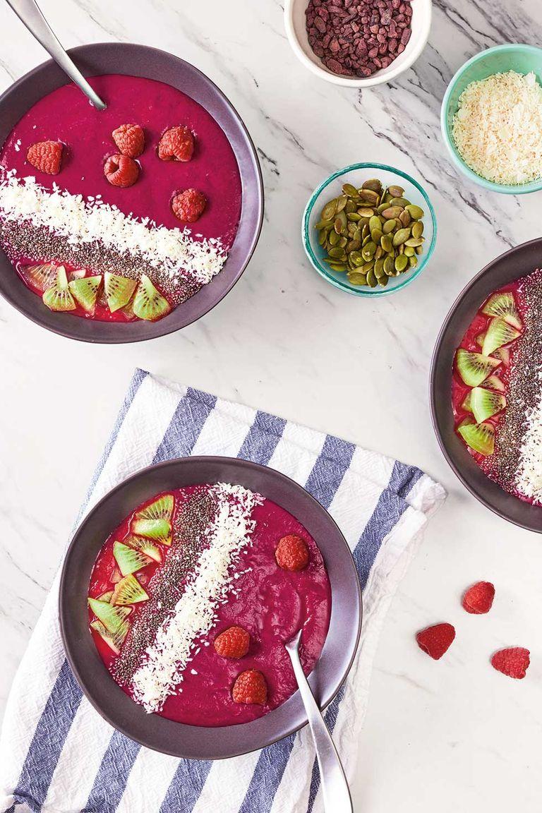 raspberry beet smoothie bowl