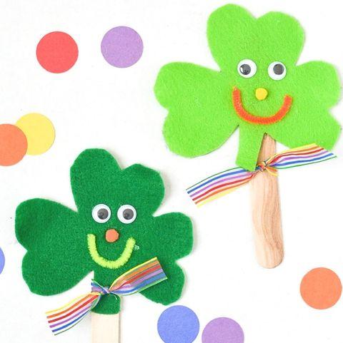 Shamrock Puppets - St. Patrick's Day Crafts