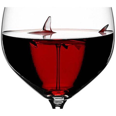 Drinkware, Glass, Red, Stemware, Red wine, Wine glass, Tableware, Drink, Aviation, Vehicle,