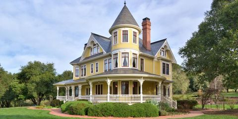 Estate, Property, House, Home, Mansion, Building, Real estate, Manor house, Architecture, Historic house,