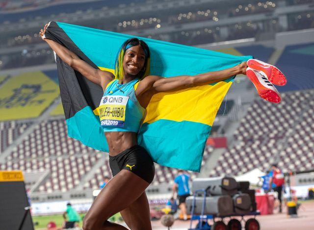 la bahameña shaunae miller uibo celebra su título mundial de 400 metros en el mundial de atletismo de doha catar